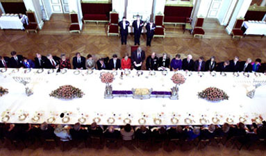 The President makes remarks at an official lunch at the Royal Palace.