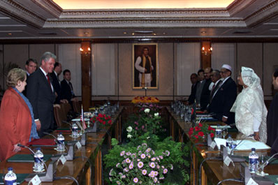 President Clinton participates in Bilateral meeting with Prime Minister Sheikh Hasina, Prime Minister's office, Bangladesh.