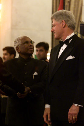 President Clinton with President Narayanan at the State Dinner, Rashtrapati Bhavan, New Delhi.